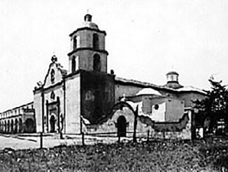 Mission San Luis Rey de Francia, circa 1910.
