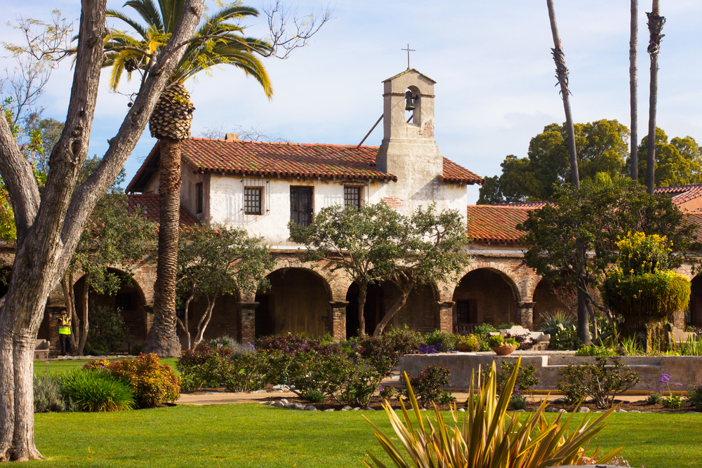 San Juan Capistrano - California Mission Guide