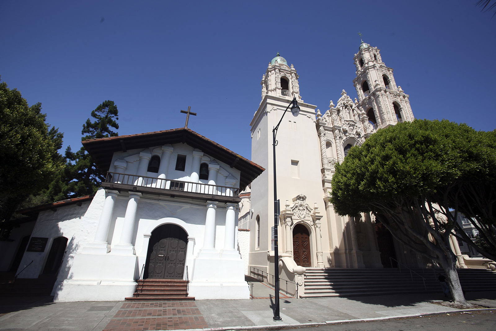 the history of mission san francisco de asis essay The mission dolores church is the oldest intact building in the city of san francisco, and the only completely intact chapel remaining among the 21 missions the sturdy, 4-foot-thick adobe walls even withstood the devastating san francisco earthquake in 1906.