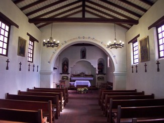 Mission chapel interior. Photo by Robert A. Estremo (Lordkinbote).